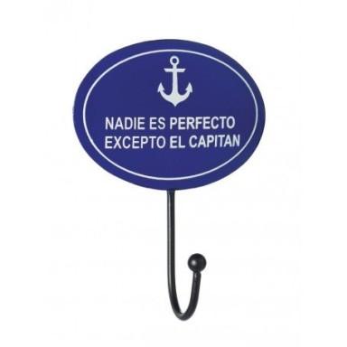 Colgador Pequeño Nadie Perfecto Excepto Capitán