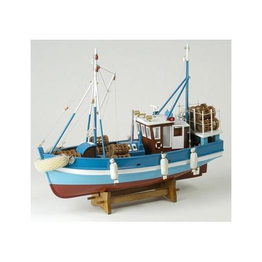 Barco De Pesca Antiguo Azul